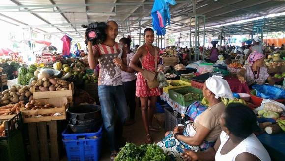 RTP Africa's show Nha Terra, Nha Kretcheu documenting For Life Inc Founder Madame-Athena Chang healthy food shopping for one of our families